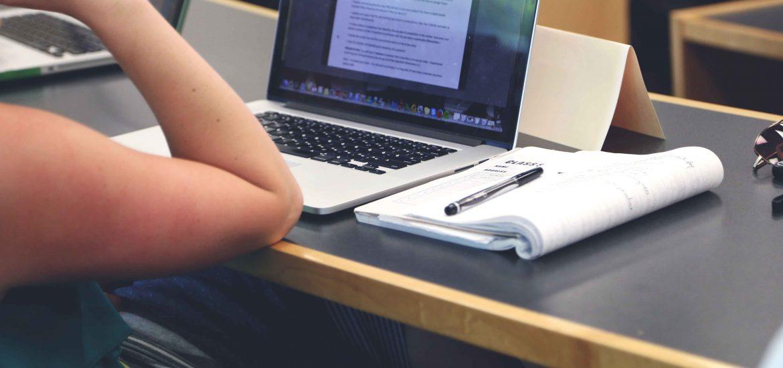 アメリカ有名大学「アイビーリーグ」の450個あるオンライン授業が無料 ...